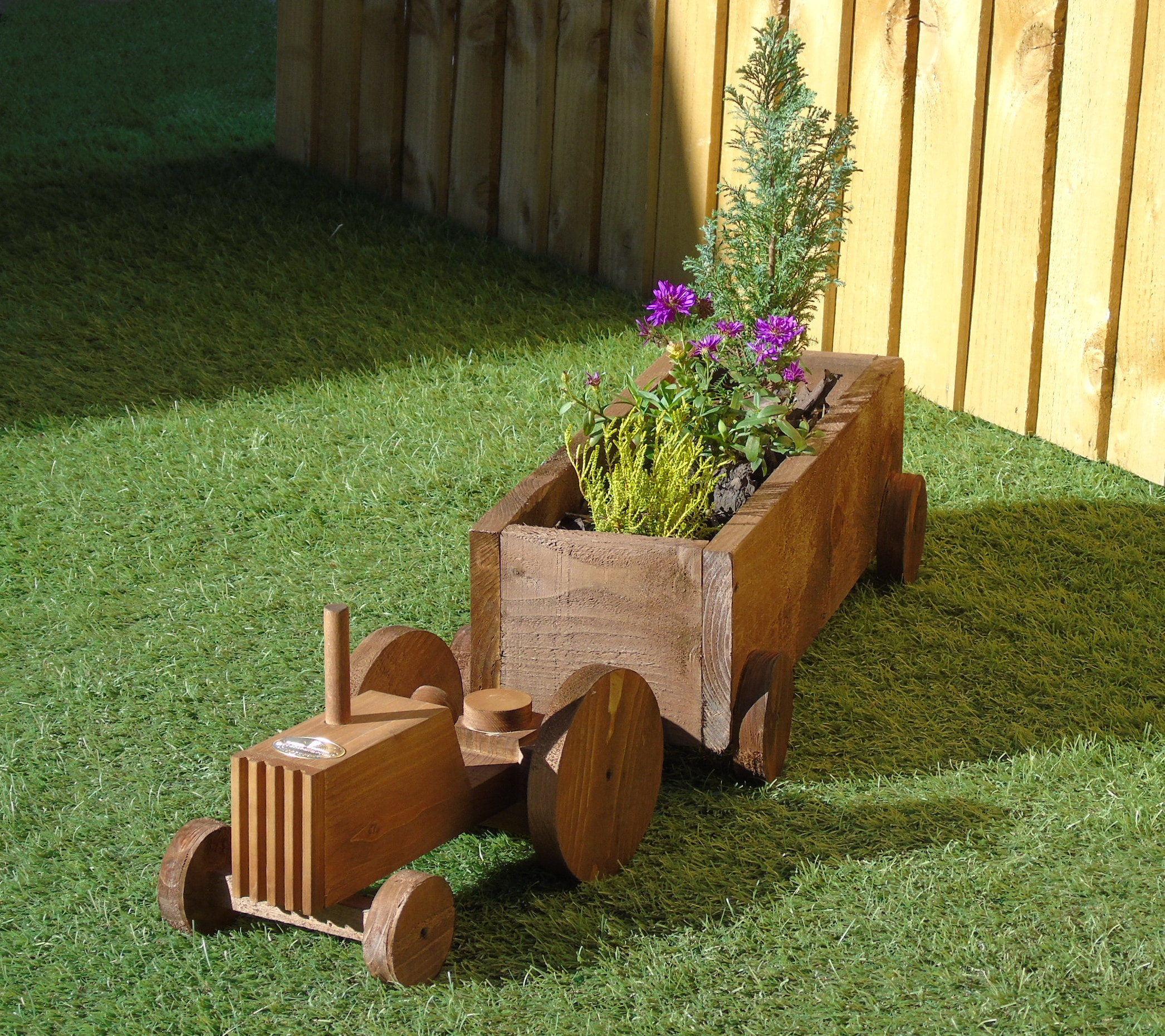 Tractor Trailer Wooden Garden Planter Display Milton Keynes
