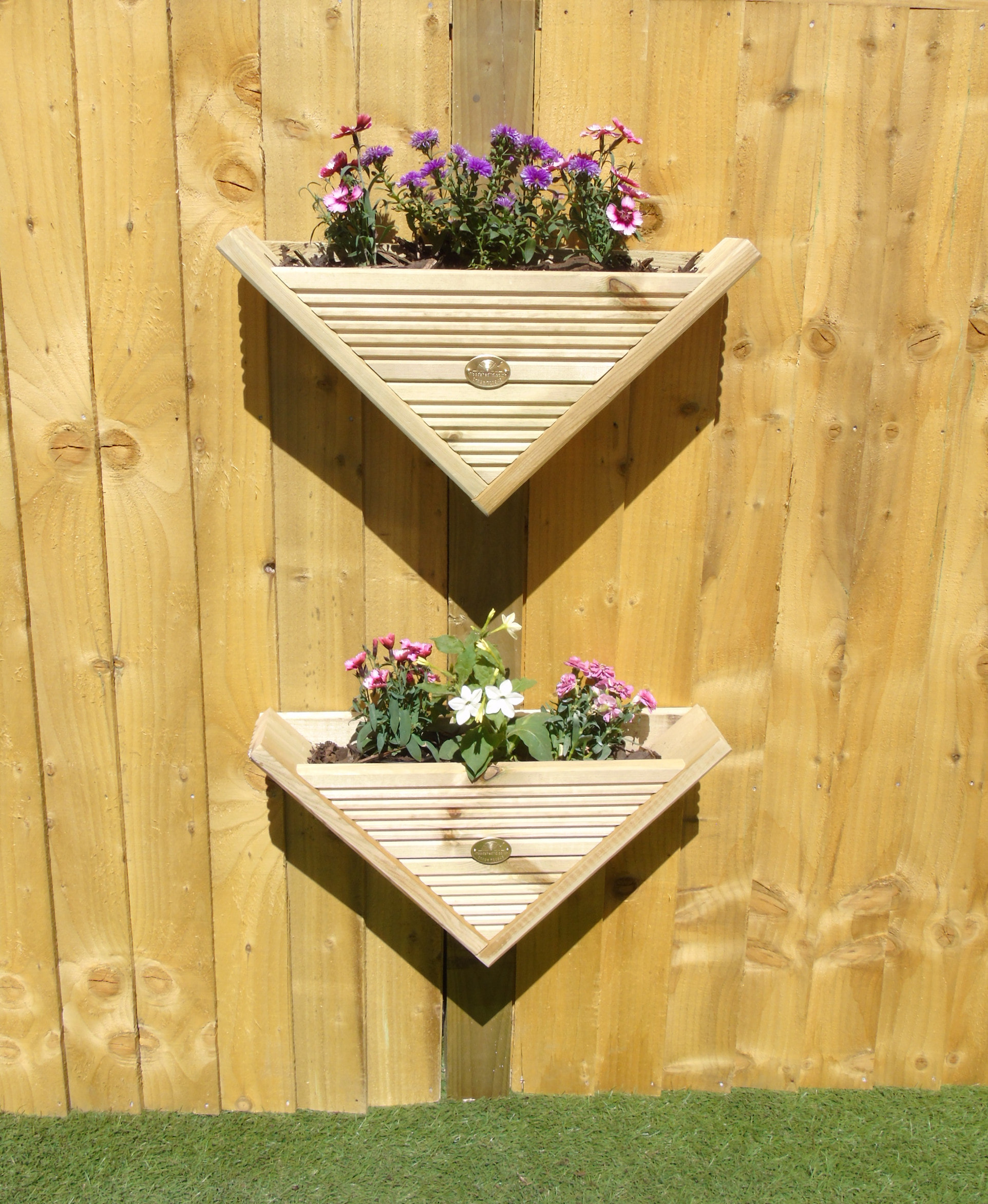 90 176 Triangle Wall Hanging Fence Post Mounted Decking